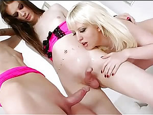 TS slut Mandy Mitchell with cute shemale girlfriends